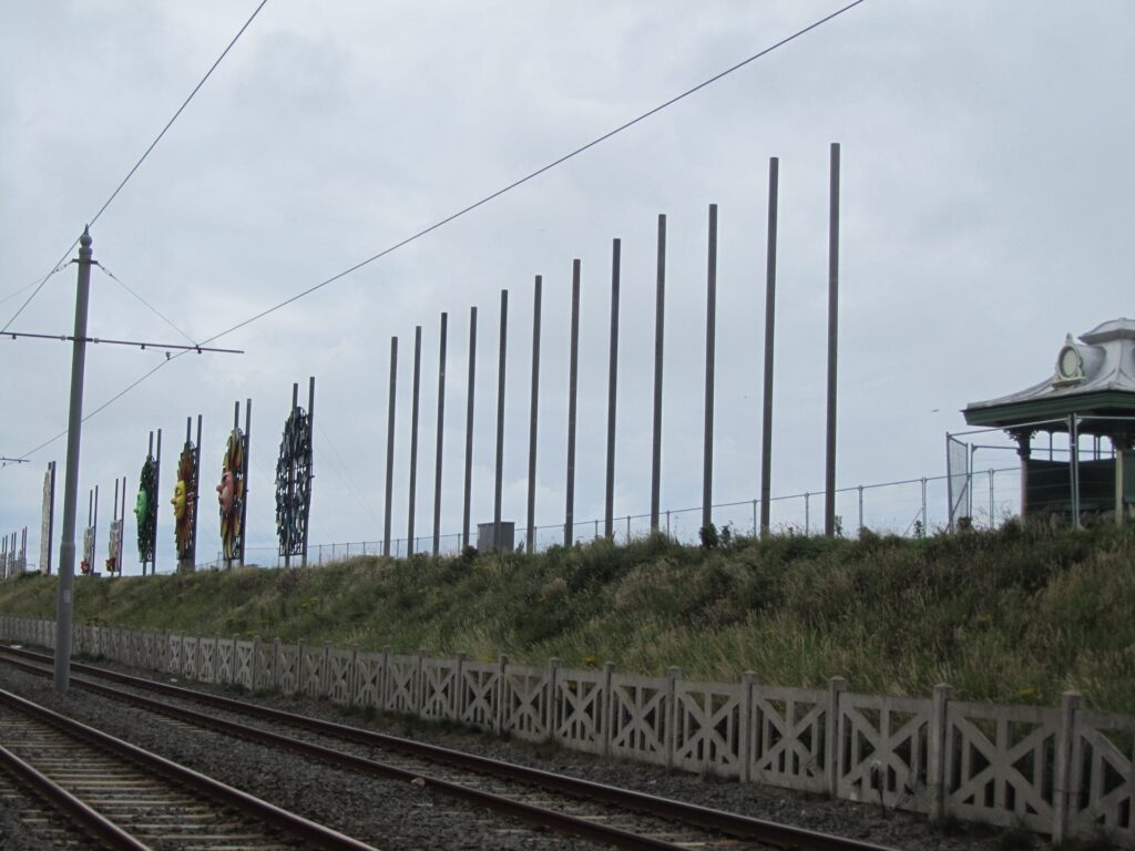Installation of the poles which support the tableaux illuminations at North Shore